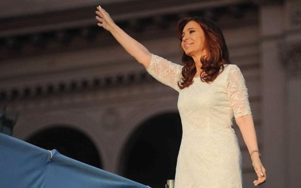 Cristina Kirchner saluta Buenos Aires nel 2015 dopo la sua sconfitta